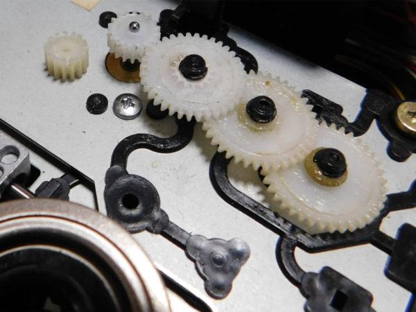 SONY CDP-33、修理したCDトレイ駆動ギア