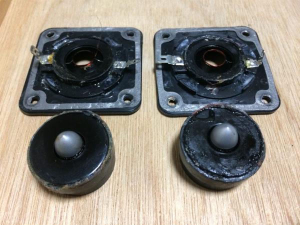 デノンのリングドームツイーターの磁気回路取り外しのアップ画像