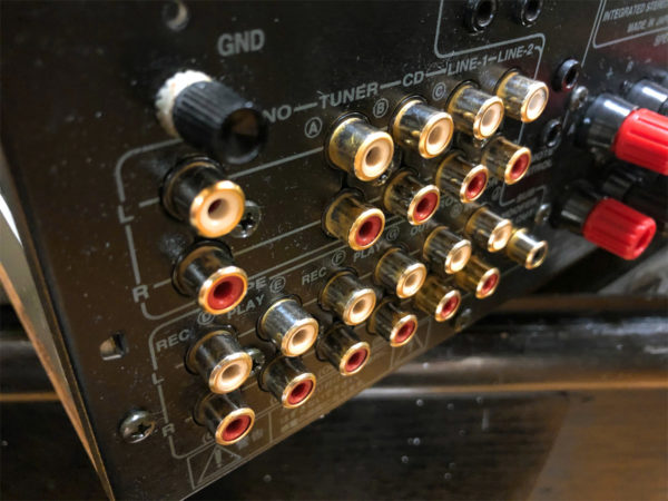 ONKYO A-922M LTDの磨いた金メッキ入出力端子