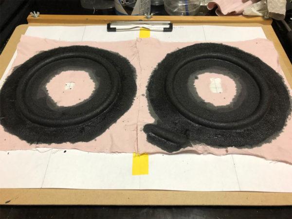 スピーカーエッジの作り方、液体ゴムの乾燥完了