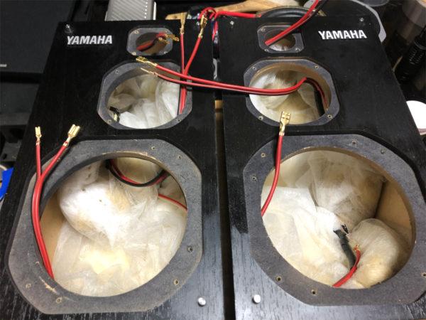 NS-1000MM、吸音材の充填