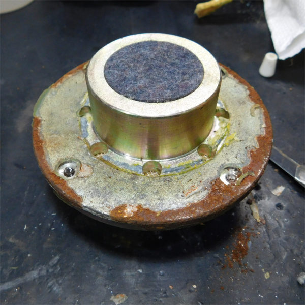 パイオニア CS-610、ハードドームスコーカー、ヨークの錆落とし