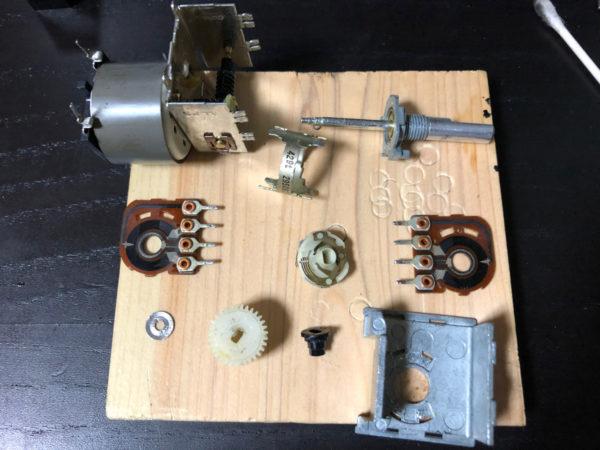 KENWOOD A-1001のボリュームの分解清掃