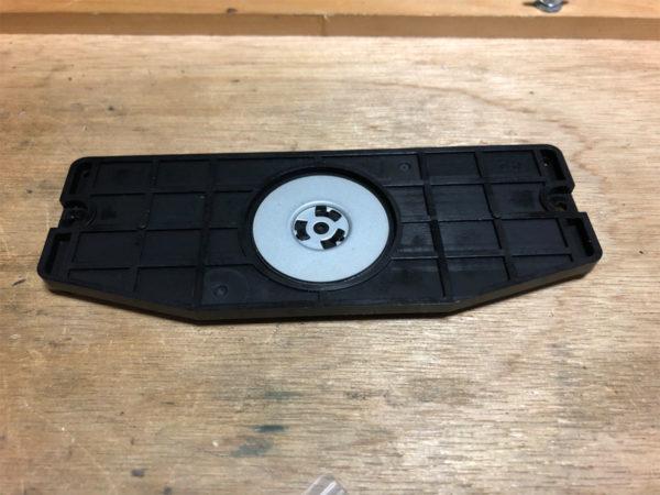 YAMAHA CDX-10のCDドライブのブリッジ