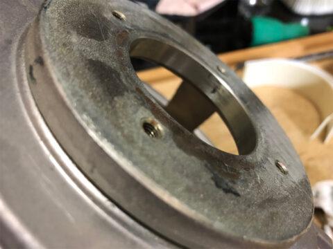 TRIO/トリオ LS-77、磁気ユニット部の接着剤塗布